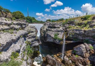 One of the top restaurants in Podgorica lies beside the Cijevna River and its famous falls