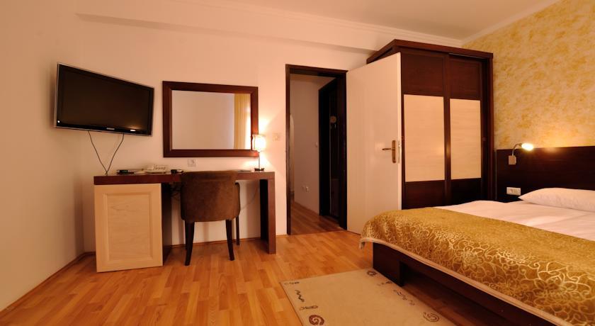 Hotel Djuric, Petrovac