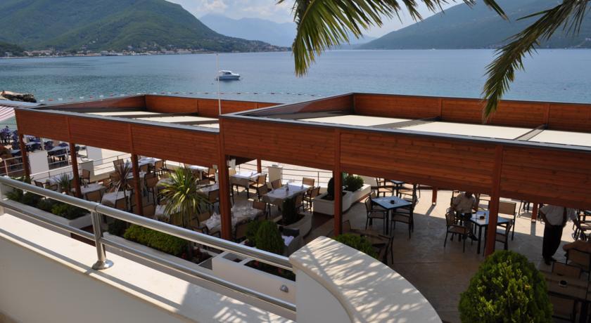 Hotel Perla terrace