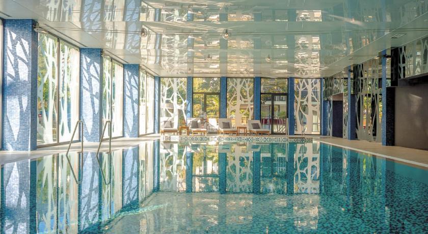 Palmon Bay Hotel Pool