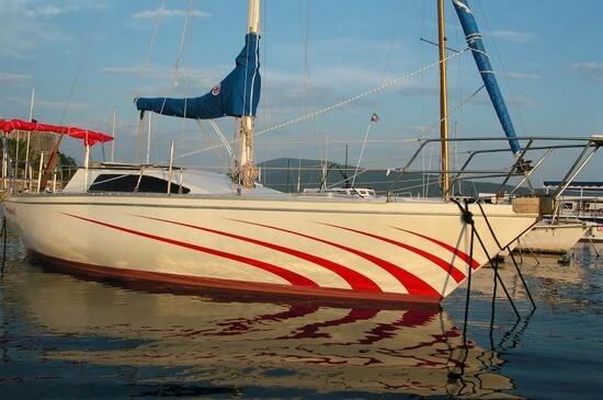 Rent a boat Montenegro - Bavaria 40