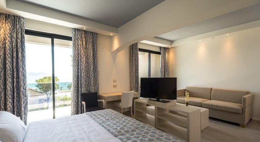 Palmon Bay Hotel room