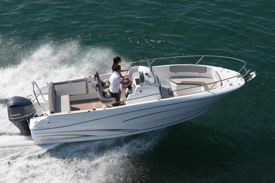Rent a boat in Montenegro: Cap Camarat 7.5. Biggest selection, best prices.